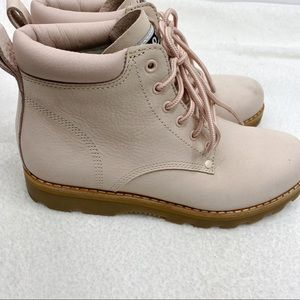 Roots Tuff suede lace up boots in pink